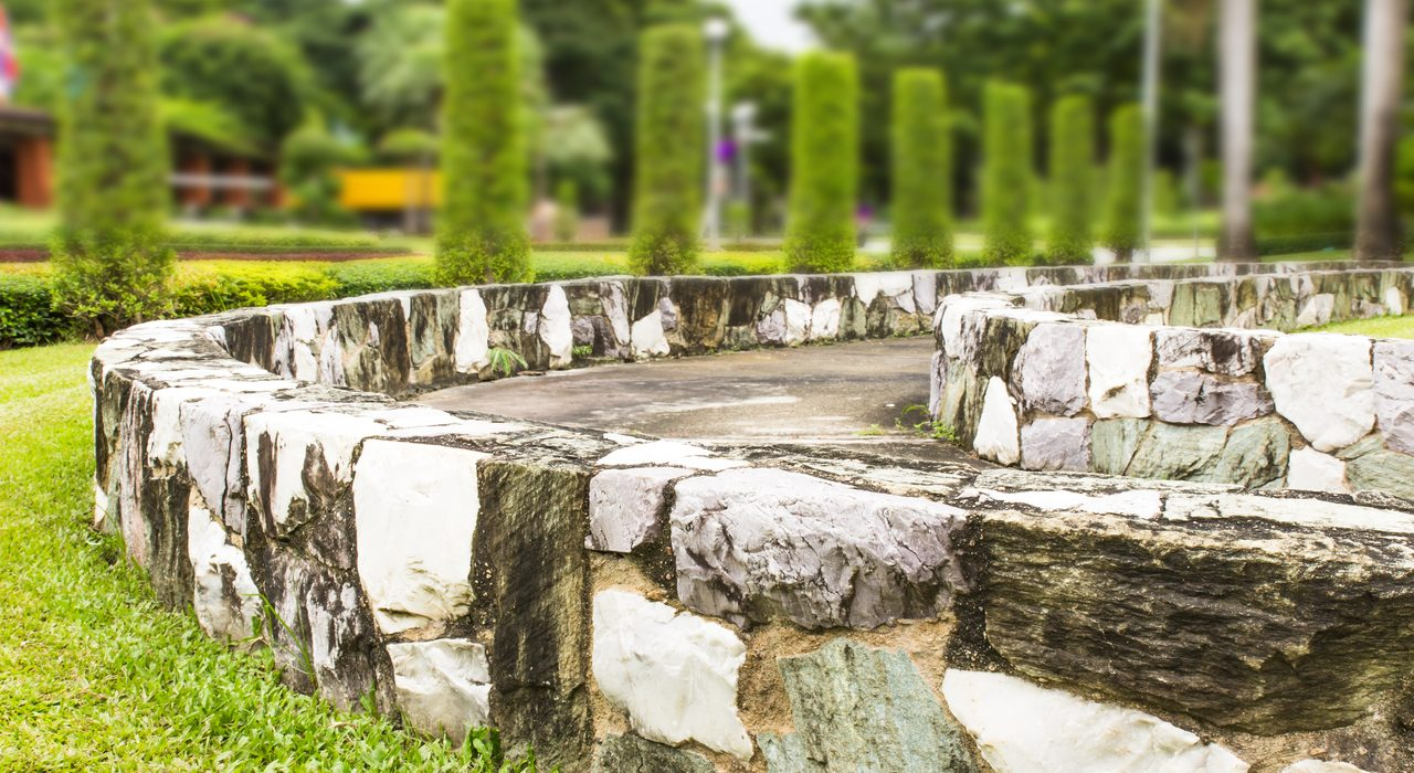 Landscaping Construction: What Is the Point of a Retaining Wall
