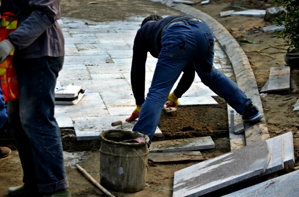 8 Important Steps for Tiling a Cement Floor
